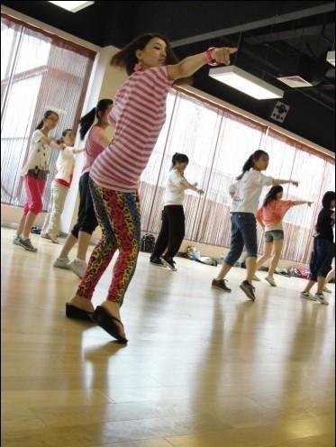 学好街舞的几个技巧