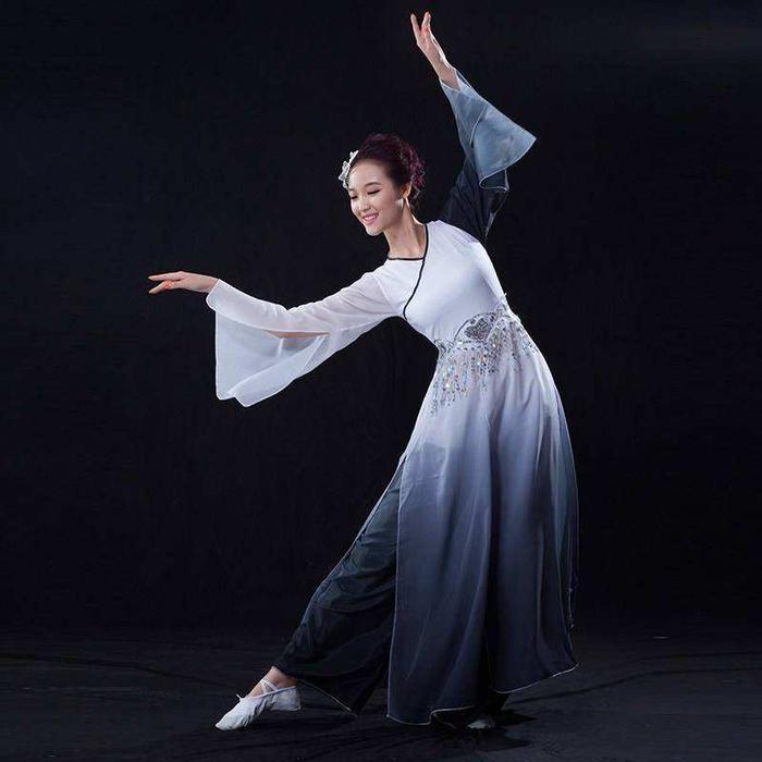 北京古典舞舞蹈班【热门零基础课程】